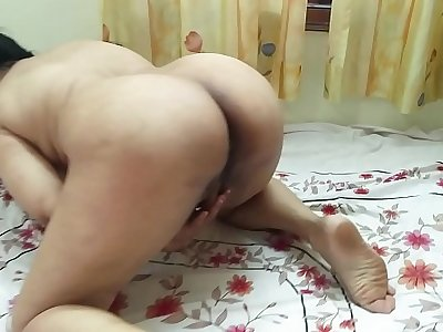 #NaziaPathan Bubblebutt Indian housewife masturbating like a porn star - Part 1/2