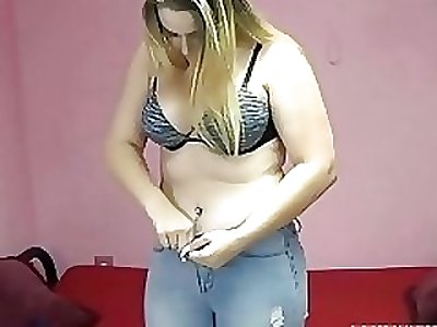 Chubby blonde Dymond Rose is fucking her tight teen twat